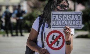 Uma centena de pessoas protestou em Lisboa contra o fascismo e a corrupção