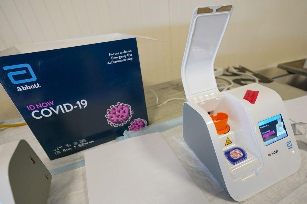 Covid-19: Metade dos adultos dos EUA já recebeu pelo menos uma dose da vacina