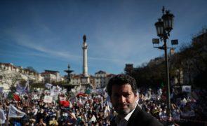 Ventura espera um milhão de votos nas legislativas e diz que vai