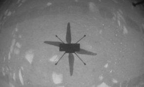 'Helicóptero' da NASA faz voo histórico em Marte