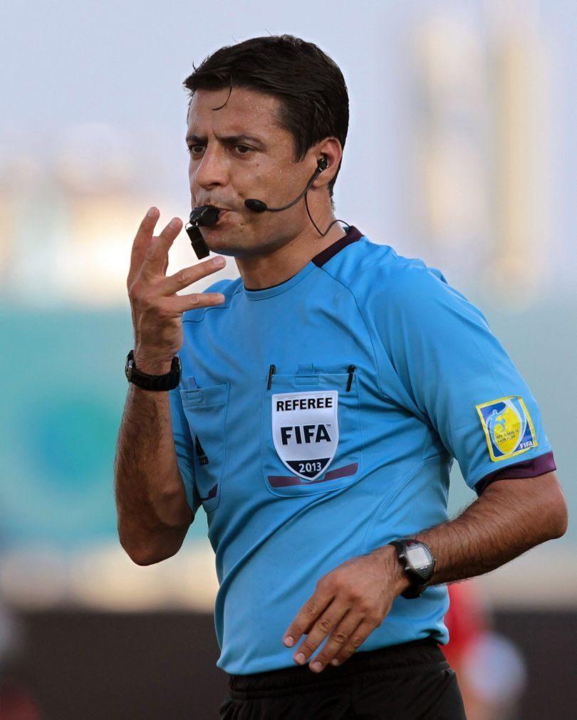 Árbitro iraniano Alireza Faghani no Portugal-Chile na Taça das Confederações