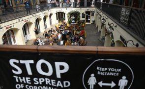 Covid-19: Reino Unido reduz números para níveis de setembro