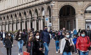 Covid-19: Itália regista 8.800 novos casos e debate reabertura de escolas
