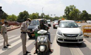 Covid-19: Índia regista 1.761 mortos em 24 horas, novo máximo diário