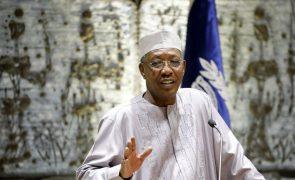 Presidente do Chade morreu hoje vítima de ferimentos na frente de combate