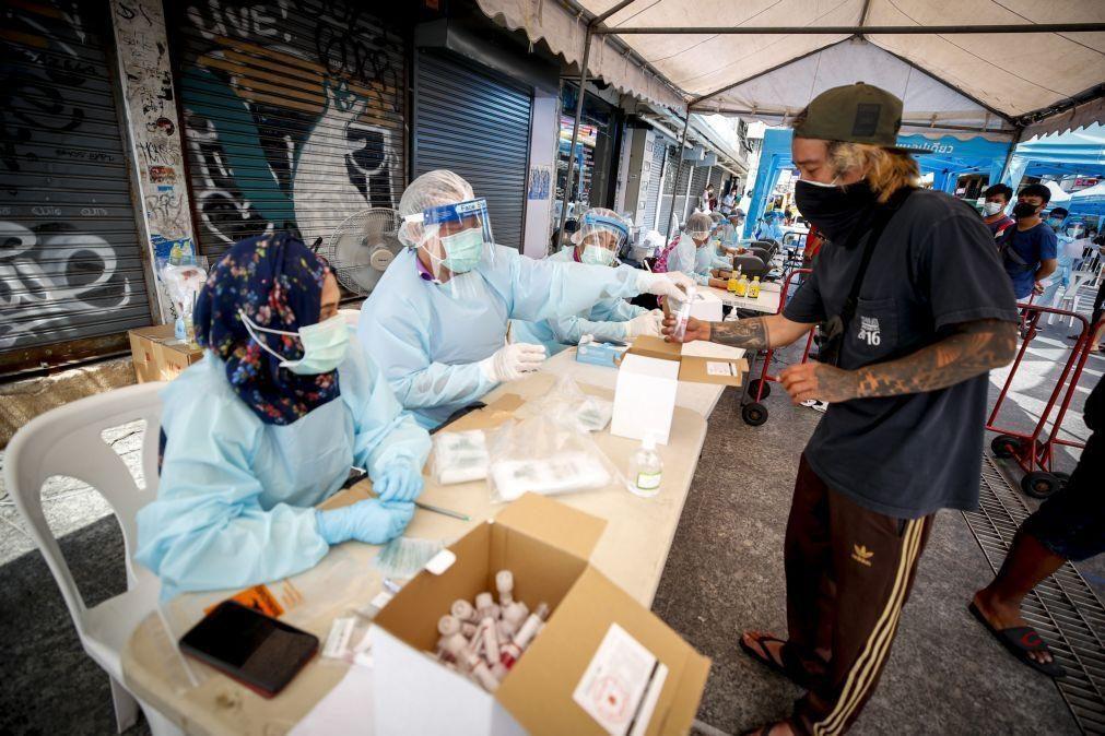 Covid-19: Casos de infeção no mundo são quase 142 milhões desde início da pandemia