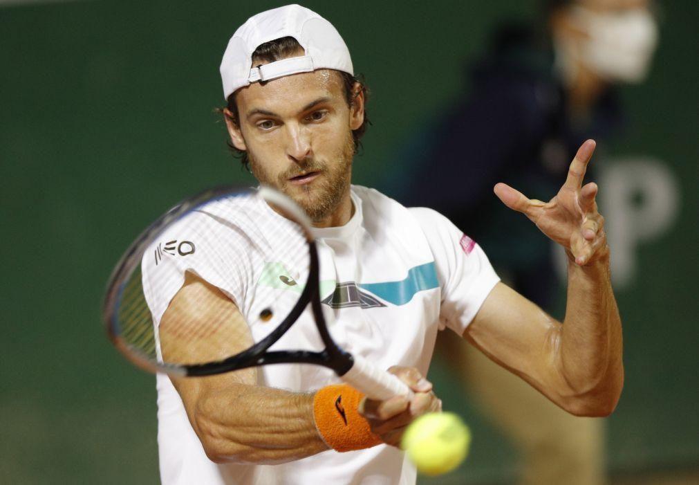 João Sousa afastado na primeira ronda do torneio de ténis de Belgrado