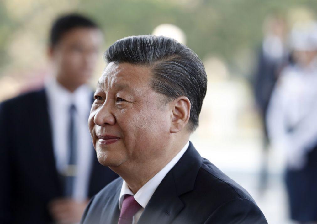 Presidente chinês vai participar em cimeira virtual sobre clima organizada por Biden