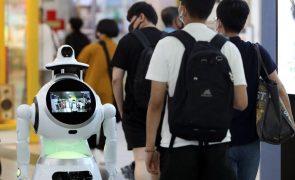 Bruxelas propõe obrigações apertadas em equipamentos de inteligência artificial perigosos