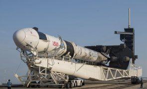 Adiado para sexta-feira terceiro voo tripulado da SpaceX para estação internacional
