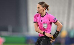 Stéphanie Frappart será a primeira árbitra num Europeu masculino de futebol