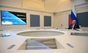 Clima: Presidente russo pede cooperação internacional na luta contra alterações climáticas