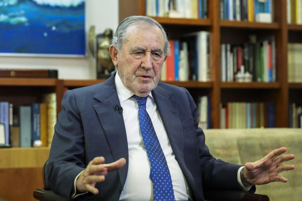 25 Abril: Ramalho Eanes será o único ex-Presidente na sessão da AR