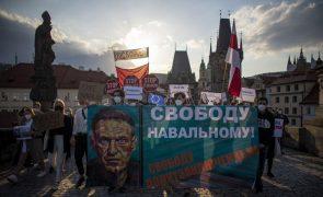 Médicos pedem a Navalny para acabar