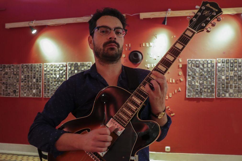 Músico Bruno Pernadas fecha um ciclo com o álbum