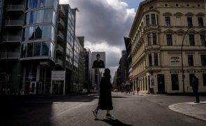 Covid-19: Incidência acumulada na Alemanha continua a subir