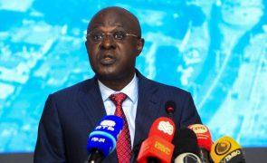 Angola cresce 1% este ano e juros baixam quando inflação abrandar - Governo