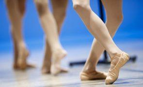 Bailarina que denunciou racismo na Staatsballett foi readmitida e destaca