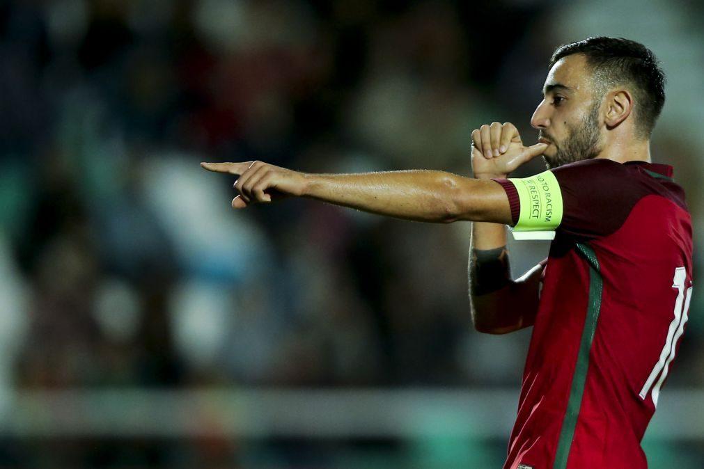 Bruno Fernandes assina por cinco anos com o Sporting