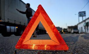 Dois acidentes causam nove feridos e cortam A1 e A29