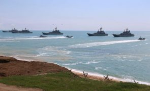 Rússia limita acesso a setores do mar Negro apesar dos avisos da NATO