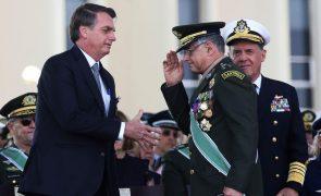 Covid-19: Bolsonaro ameaça pôr exército na rua se medidas restritivas causarem