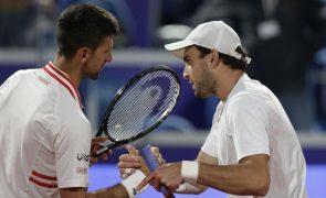 Djokovic sofre segunda derrota da época frente a Karatsev e falha final em Belgrado