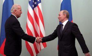 Putin e Biden planeiam cimeira para junho