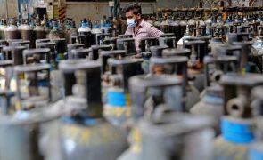União Europeia está a organizar o envio urgente de medicamentos e oxigénio para a Índia