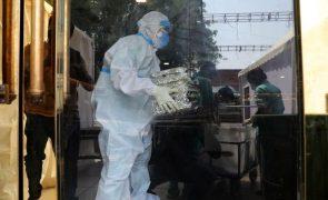 Covid-19: Londres envia equipamento médico de emergência para a Índia