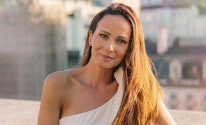 Helena Costa revela como se sente após retirar tumor