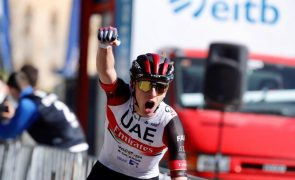 Tadej Pogacar conquista clássica Liège-Bastogne-Liège
