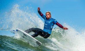 Vasco Ribeiro e Yolanda Hopkins vencem segunda etapa da Liga de surf na Figueira da Foz