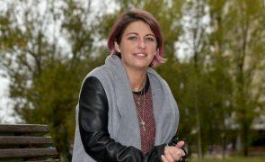 Ângela Ferreira quer engravidar do marido morto e inspira novela da SIC
