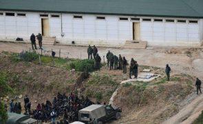 Cerca de 140 migrantes tentam entrar no território espanhol de Ceuta e Melilla em África