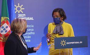 UE/Presidência: Van Dunem defende sistemas digitais que assegurem acesso