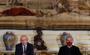 Governo mantém objetivo de português na ONU, mas admite