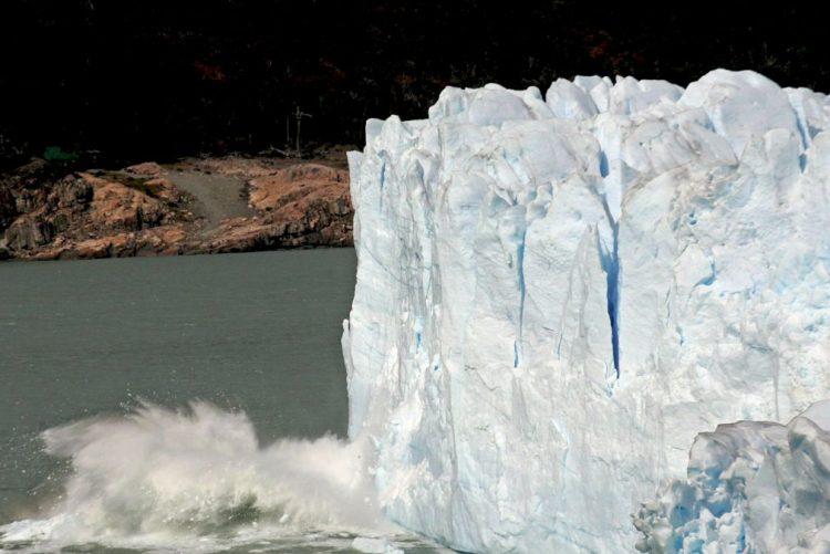 Icebergue com 5.000 quilómetros quadrados poderá desprender-se da Antártida