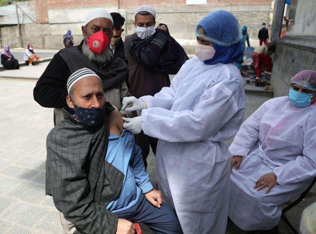 Covid-19: Índia administra em 100 dias mais de 141 milhões de vacinas