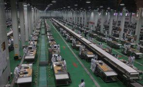 Lucros da indústria chinesa subiram 137% nos três primeiros meses do ano