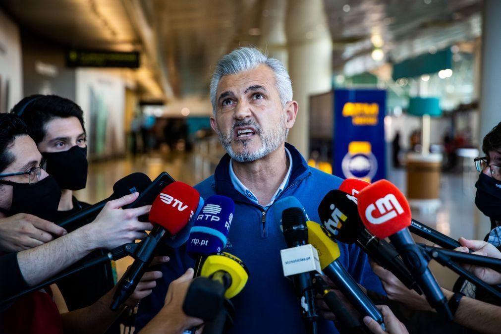 Portugal a um empate de garantir apuramento para o Euro2022 de andebol