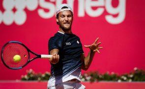 João Sousa eliminado na primeira ronda do Estoril Open