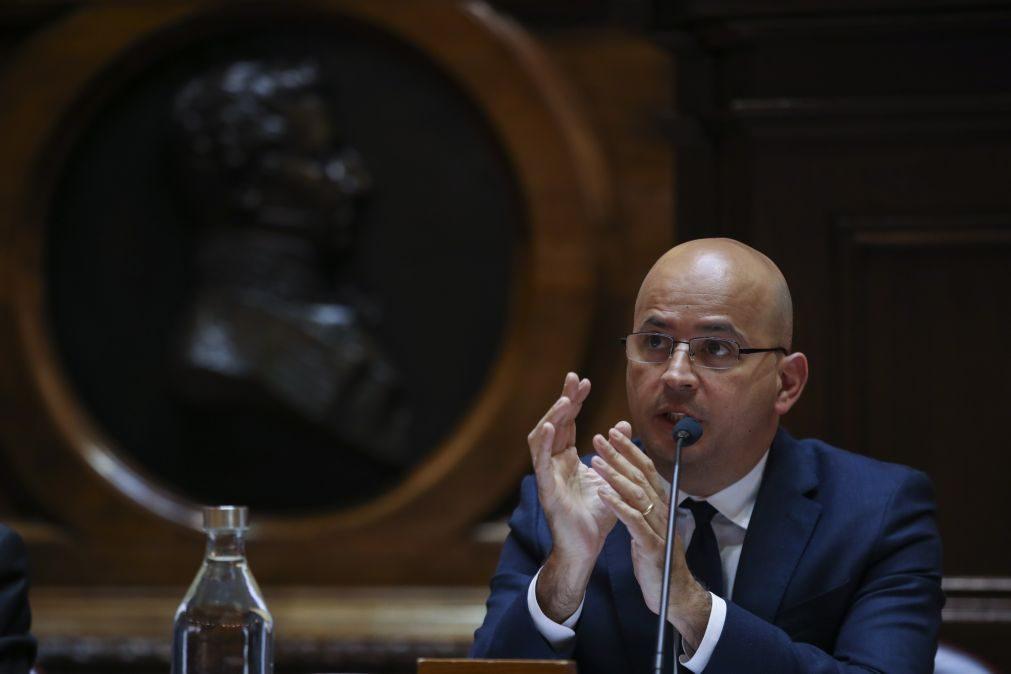 Portugal já assegurou 60% das necessidades de financiamento anuais -- João Leão