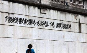 Ministério Público acusa mulher de violência doméstica sobre o filho de 8 anos