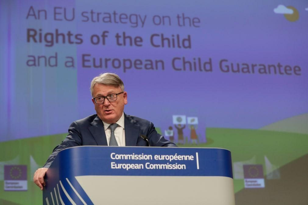 Bruxelas espera acordo entre países sobre salários mínimos até junho