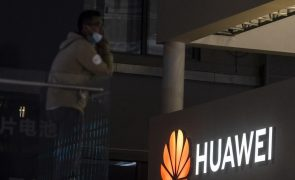 Receitas do grupo Huawei caem 16,5% no primeiro trimestre