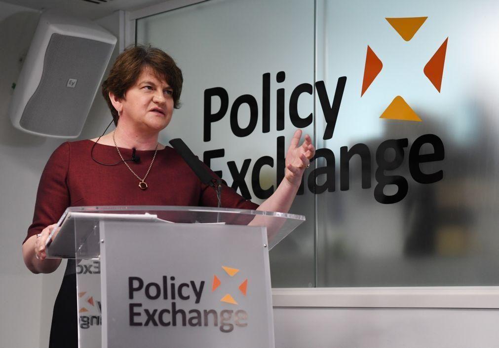 Primeira-ministra da Irlanda do Norte demite-se pressionada pelo seu partido