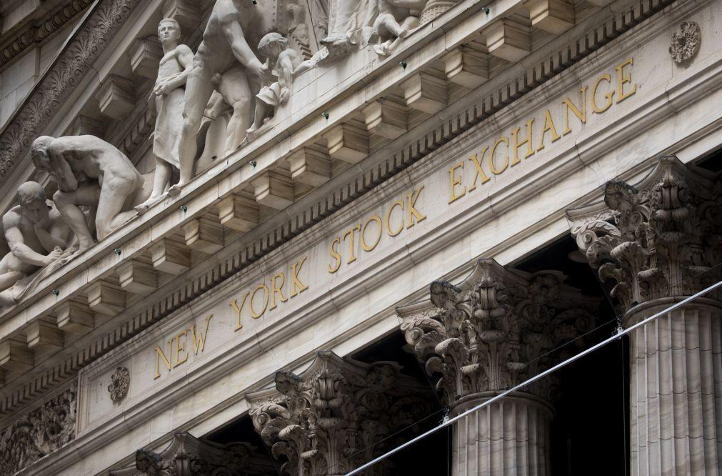 Wall Street fecha em baixa ligeira depois da reunião da Fed e à espera de Biden