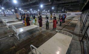 Covid-19: Índia ultrapassa 18 milhões de infeções após novo máximo diário