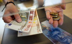 Consumo e rendimento das famílias na UE e zona euro recuam no 4.º trimestre de 2020